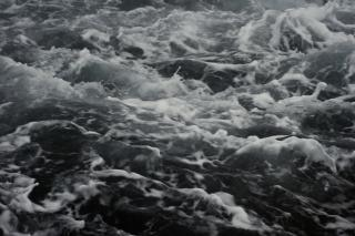 Texture de l'eau brûlante, les vagues, humide