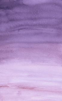 Texture de fond aquarelle violet et blanc. coups de pinceau violet aquarelle sur fond de papier.