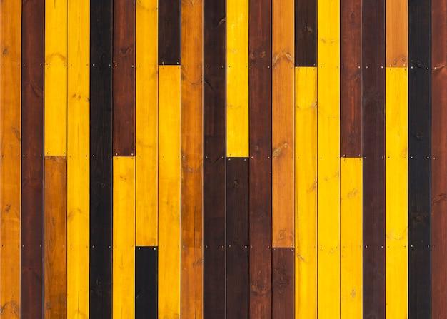 Texture de fond en bois colorée de planches comme un parquet