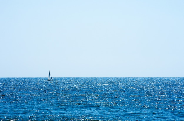 Texture de fond de l'eau de mer bleue