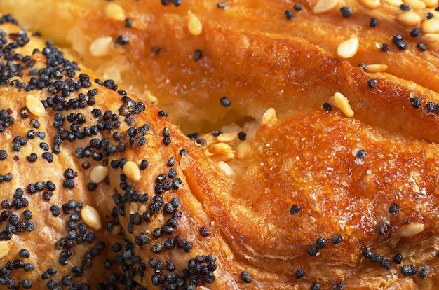 Texture de fond de pâtisseries fraîches avec confiture et graines. macrophotographie
