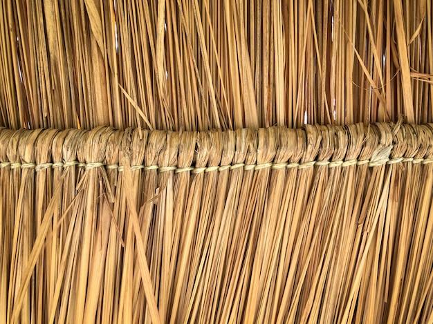 Texture grunge de toit de pile de foin d'en bas