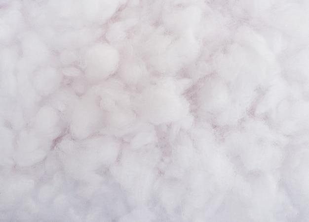 Texture de laine de coton. fond blanc.
