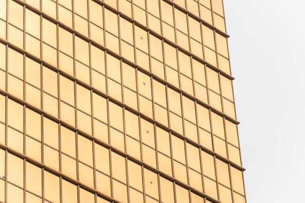 Texture en métal jaune. texture métallique rayée. contexte de conception.