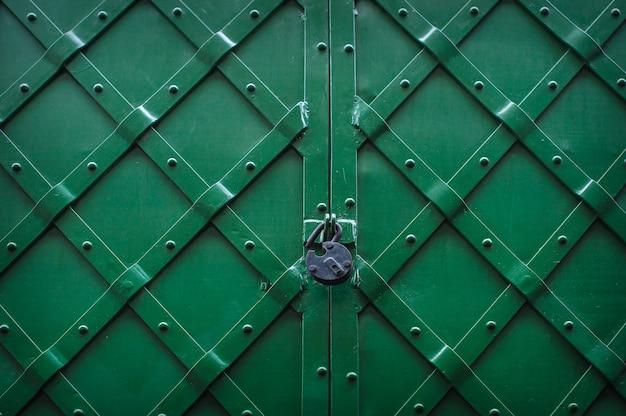 Texture métallique verte avec serrure
