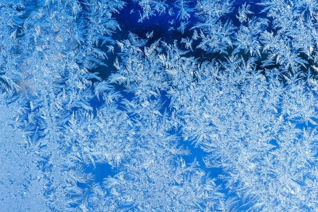 Texture des motifs sur fenêtre gelée