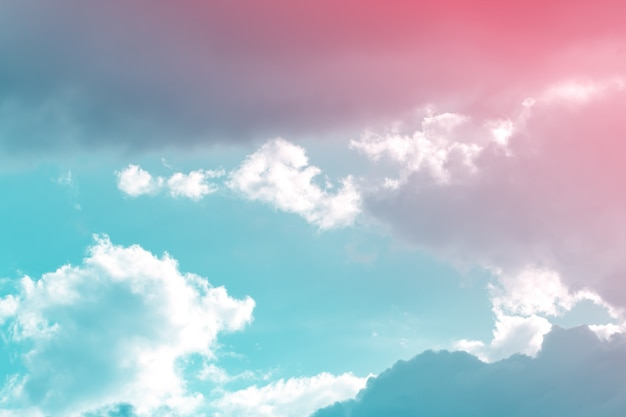 Texture de nuage et de ciel dynamique vintage pour le fond