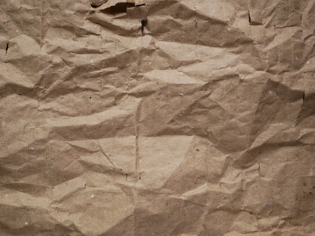 Texture de papier carton brun froissé
