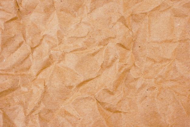 Texture de papier froissé brun