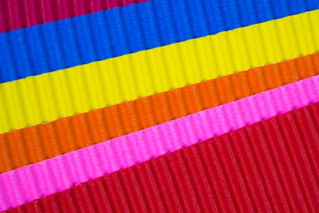 Texture de papier ondulé multicolore,