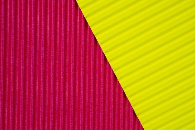 Texture de papier ondulé rouge et jaune