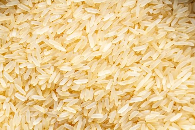 Texture de riz jaune sec long et doré