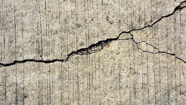 Texture de route en béton fissurée