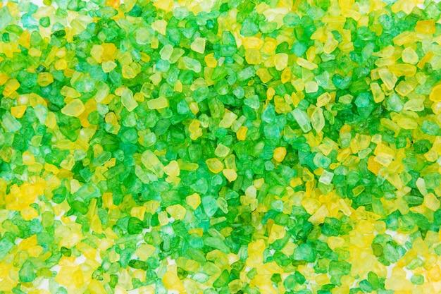 Texture de sel vert et jaune pour le bain. fond de sel