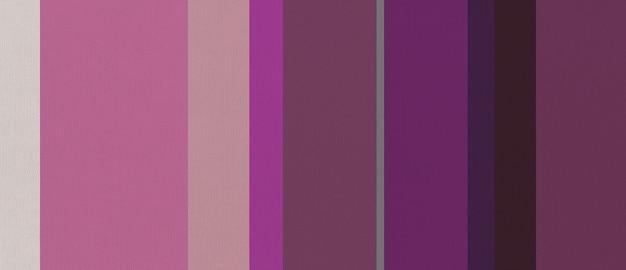 Texture de tissu en coton imprimée de rayures violettes. arrière-plan.