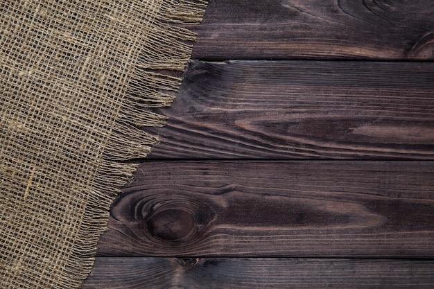 Texture de toile de jute sur table en bois
