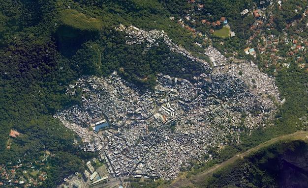 Texture vue de dessus par satellite sur les favelas de rio
