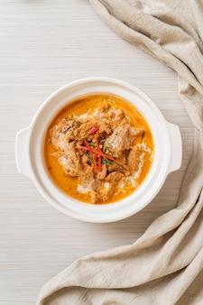 Thai meal kit panang curry avec porc