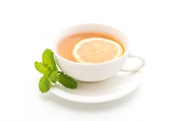 Thé au citron chaud