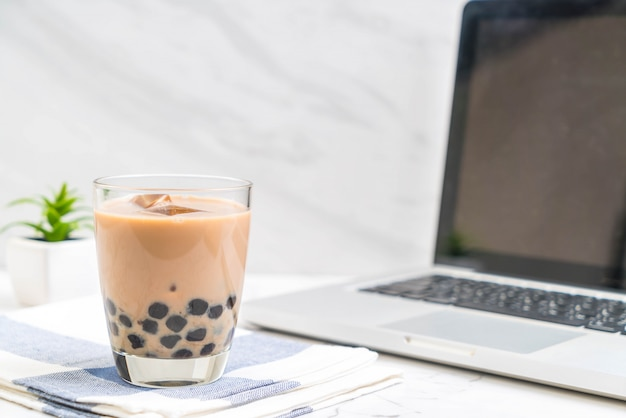 Thé au lait avec bulle
