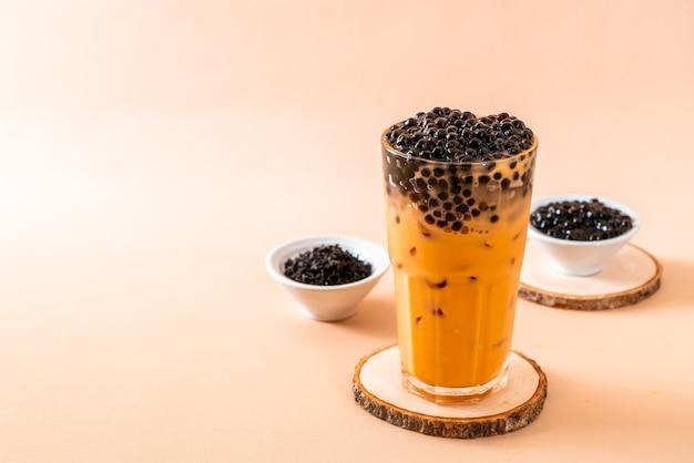 Thé au lait thaï aux bulles