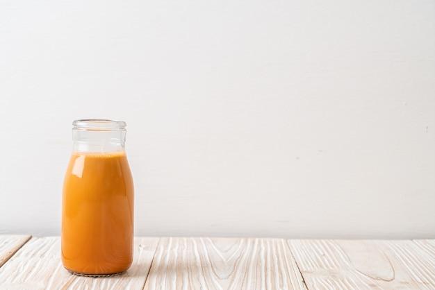 Thé au lait thaï en bouteille
