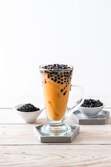 Thé au lait thaï avec bulles