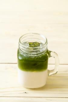 Thé au lait vert matcha glacé