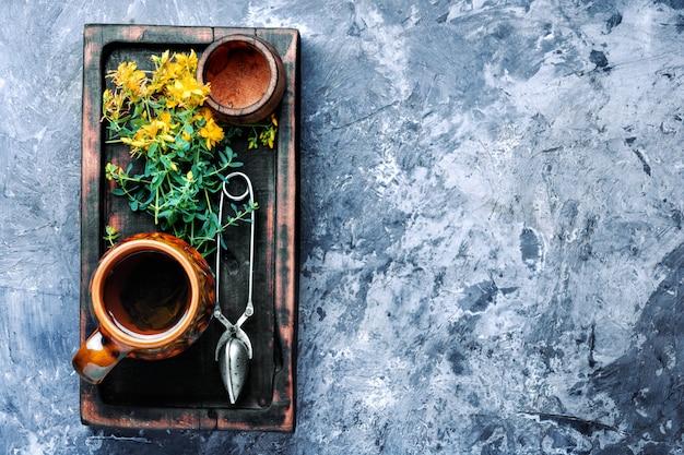 Thé aux fleurs d'hypericum