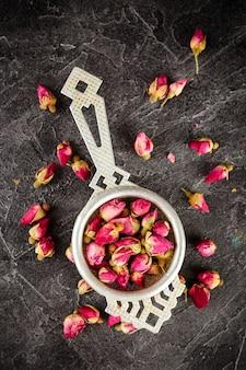 Thé de boutons de rose