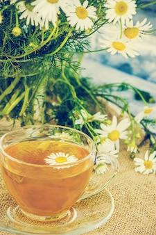 Thé à la camomille. mise au point sélective. nourriture et boisson.