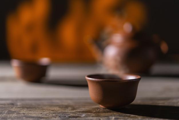 Thé chaud dans une tasse
