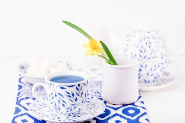 Thé thaï aux fleurs de pois papillon bleu