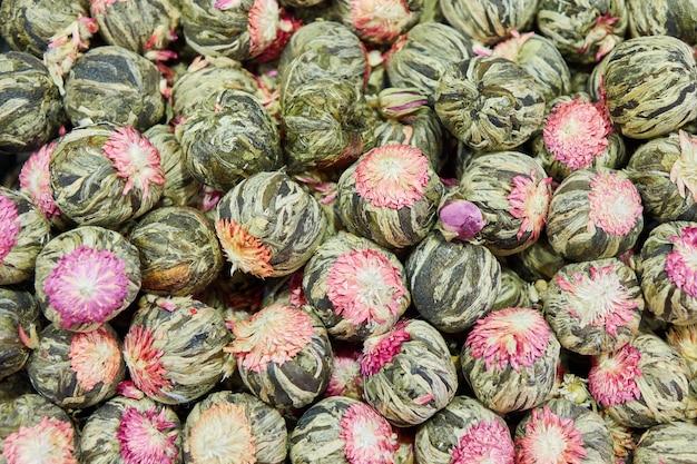 Thé turc, boules de fleurs séchées