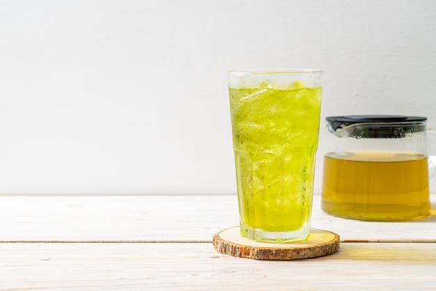 Thé vert japonais glacé