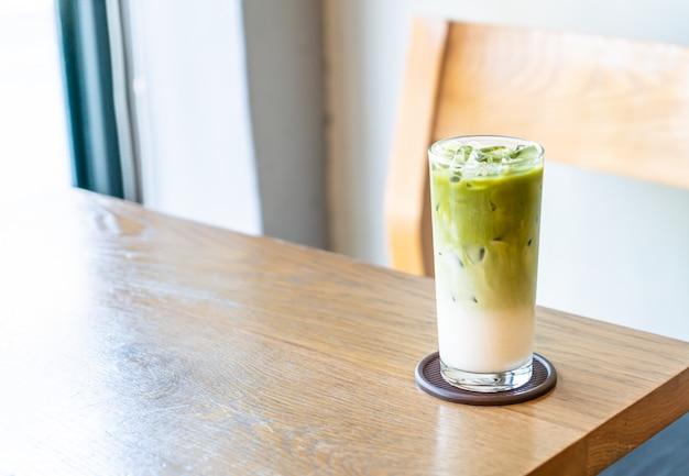 Thé vert matcha glacé au lait