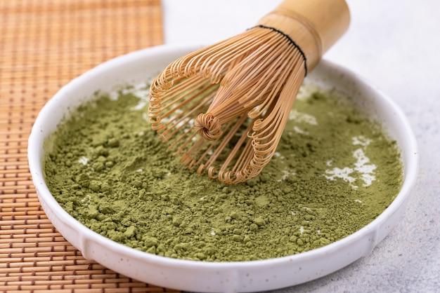 Thé vert matcha japonais en poudre