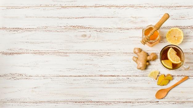 Thé vue de dessus au miel et au citron