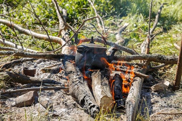 Théière sur le feu