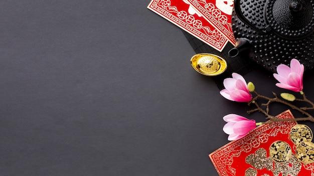 Théière et magnolia nouvel an chinois