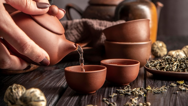 Théière avec thé