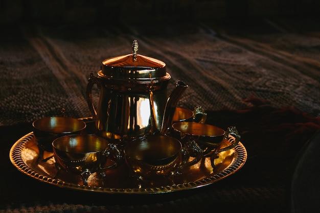 Théière et thé