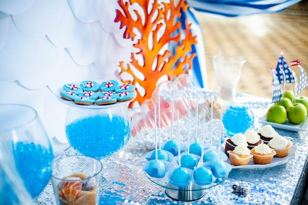 Thème du temps de la mer sur la barre chocolatée de la fête.