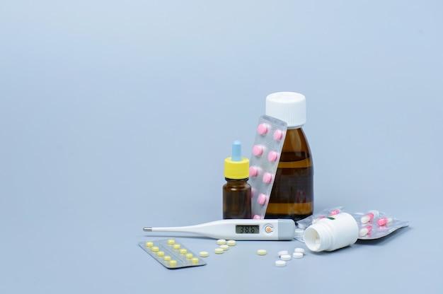 Thermomètre et médicaments