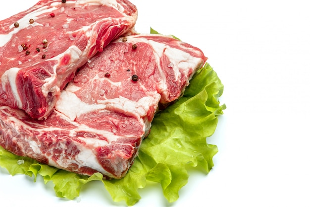 Tibia biologique non cuit de viande de boeuf