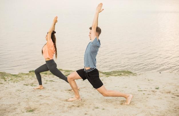 Tir complet de l'exercice sur la plage