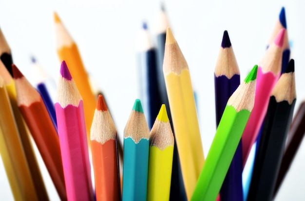 Tir créatif conceptuel de crayons colorés
