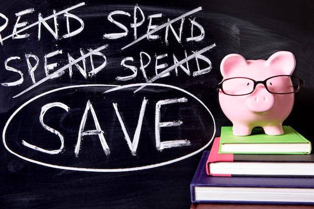 Tirelire avec un message d'épargne