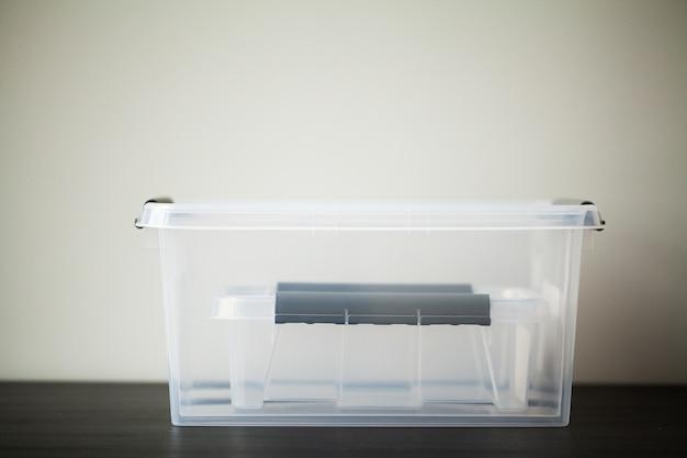 Tiroirs transparents pour ranger des objets