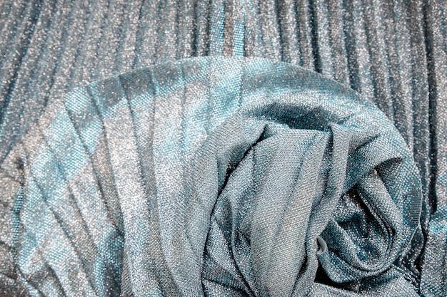Tissu argenté à paillettes métalliques